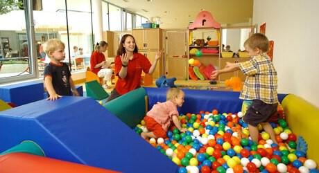 Kinderhotels bieten auch Vorteile für ein Baby