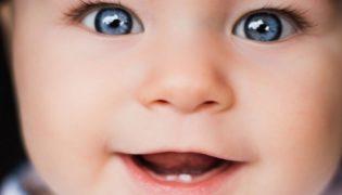 Anzeichen für Zahnen beim Baby
