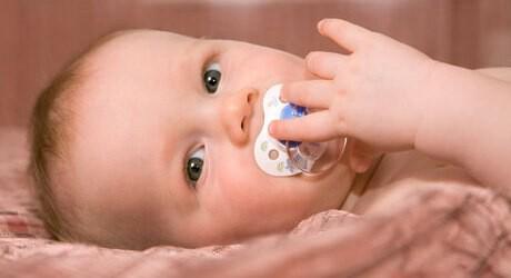 Kind mit 13 Monaten