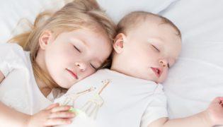 Geschwister: Liebe oder Rivalität?