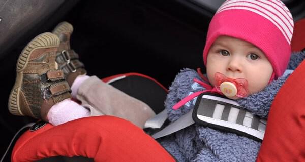 Isofix Kindersitz für den sicheren Transport von einem Baby