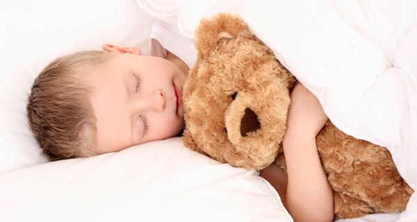 Rituale beim zu Bett gehen mit Baby