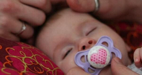 Schwitzen beim Baby vermeiden