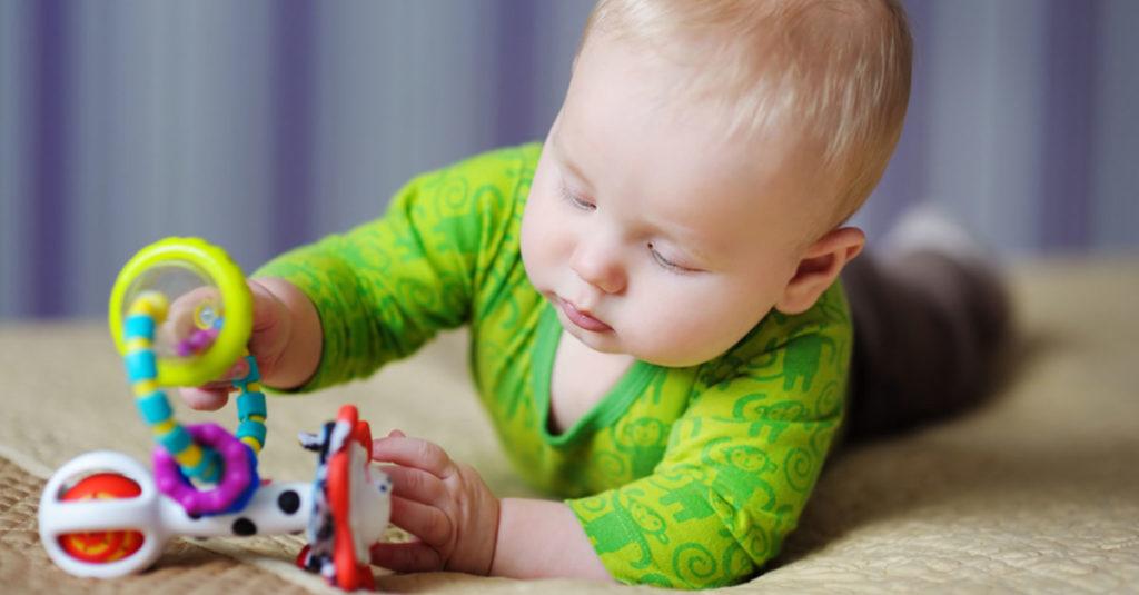 Baby Entwicklung Monat 6