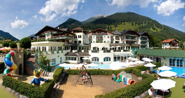 Kinderhotel Alpenrose in Lermoos in Tirol