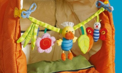 Eine Kinderwagenkette und Spielkette für Babys
