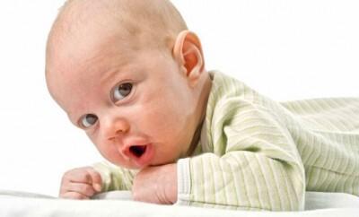Baby richtig anziehen