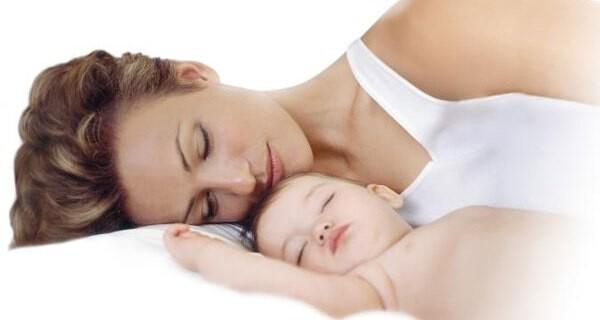 Babyphones von Philips AVENT garantieren Mutter und Baby sicheren Schlaf