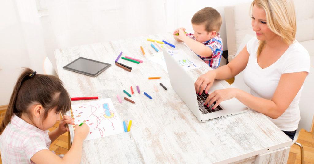 Wenn Mütter von zu Hause aus arbeiten