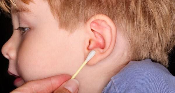 Ohrenschmalz beim Baby
