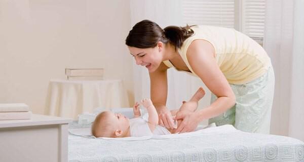 Das 1×1 des Wickelns von Baby und Kind