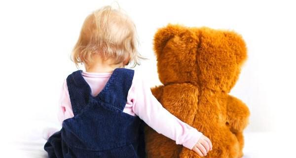 Eltern können viele Baby Spiele auch leicht selber machen
