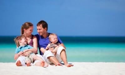 Wie man Babys vor UV-Strahlung schützt