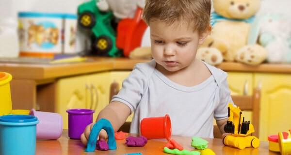 Forschungsdrang bei Kindern und Babys