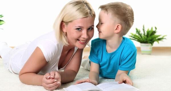 Die Frage ob ein Kind gut hören beschäftigt viele Eltern