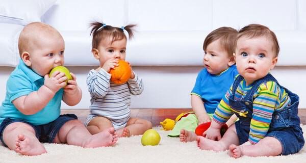 Für ein Kind sind Gesellschaft und andere Kinder als Freunde wichtig