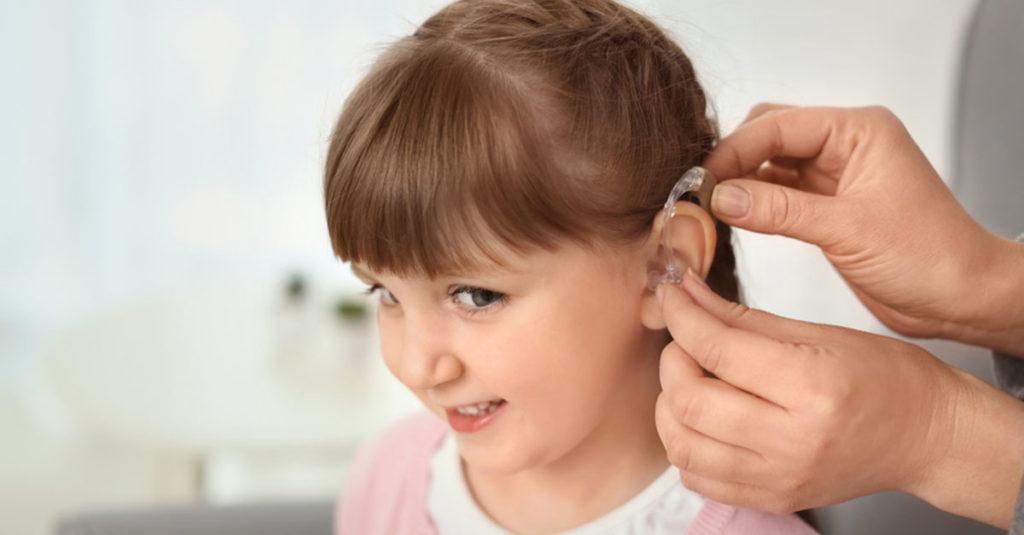 Hörgerät für ein Kind