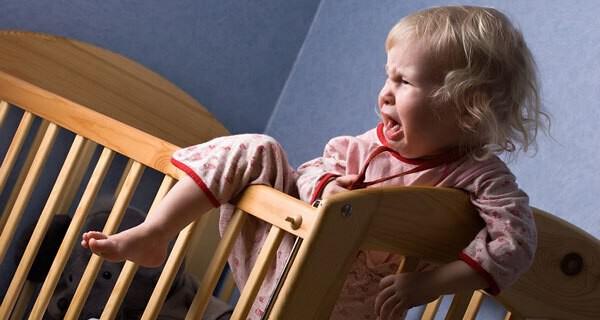 Tipps für Eltern wenn Kind oder Kleinkind nicht im Bett bleibt