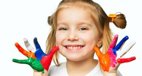 Malen und Basteln freut Kinder und Eltern