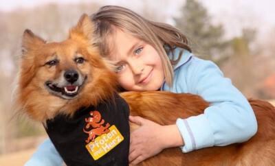 Dank dem Verein Pfoten mit Herz helfen Tiere Kindern
