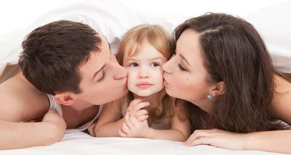 Die Scheidung der Eltern ist weder für Säugling noch Kind angenehm