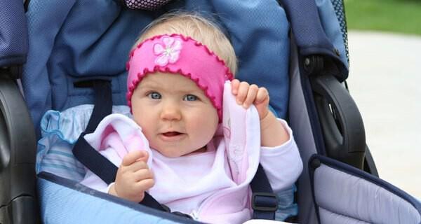 Viele Frauen beginnen in der Schwangerschaft die Babykleidung für ihr Kind selber zu nähen