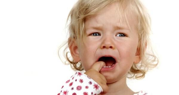 Was Eltern über Babys erste Zähne wissen sollten