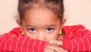 Haben es schüchterne Kinder schwerer im Leben?