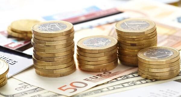 Spar-Tipps für junge Eltern die Baby oder Kind haben sind begehrt