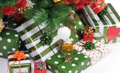 Eltern suchen nicht nur an Weihnachten oft Geschenke für Kinder