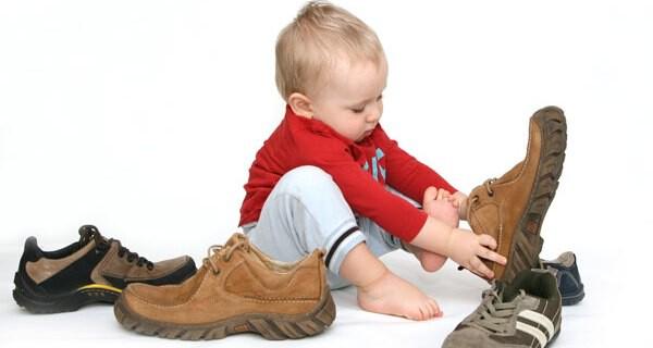 Sprechen lernen ist eine gewaltige Entwicklung bei Kindern und freut die Eltern