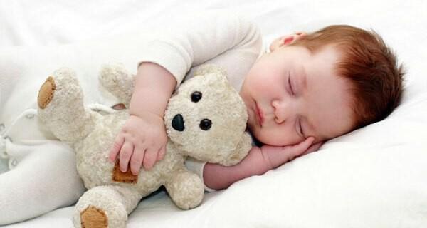 Tipps welche Aspekte beim Kauf von einem Babybett für Eltern wichtig sind