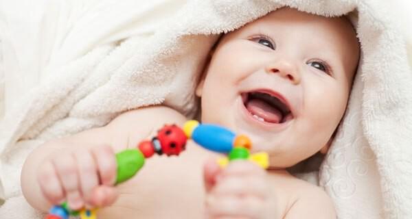 Tipps welches Babyspielzeug Eltern für ihr Kind häufig als erstes kaufen