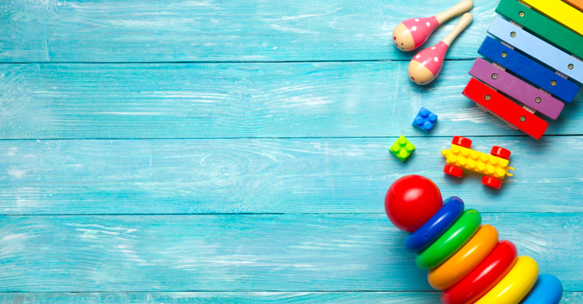 Holzspielzeug oder Plastikspielzeug