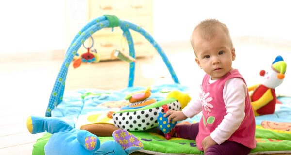 Tipps für Eltern welche Spielwaren für Baby und Kind geeignet sind