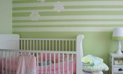 Viele Eltern setzen auf Tattoos für das Kinderzimmer wenn es darum geht das Zimmer vom Baby zu dekorieren