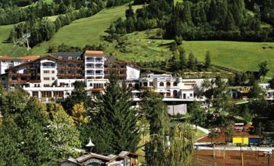 Das Wellnesshotel & Sporthotel Alpina ist ideal für den Urlaub von Eltern mit Kind