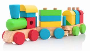 Spielzeug aus Holz für Baby und Kind