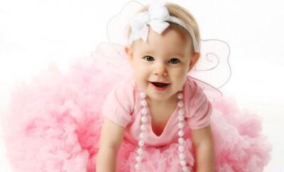 Mode für Kinder vom Baby bis zum Kleinkind finden Eltern heutzutage oft im Internet