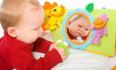 Ein Baby richtig anziehen
