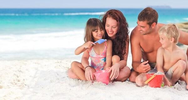 Packen für den Sommerurlaub mit der Familie