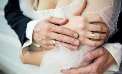 Die Hochzeit mit dem Babybauch feiern