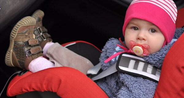 Tipps fürs Autofahren mit Kindern im Winter