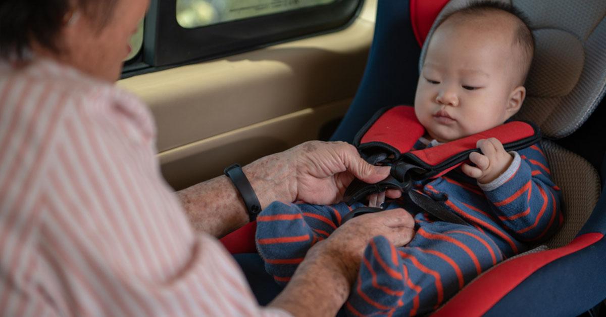 Sicherheit von Baby und Kind im Auto