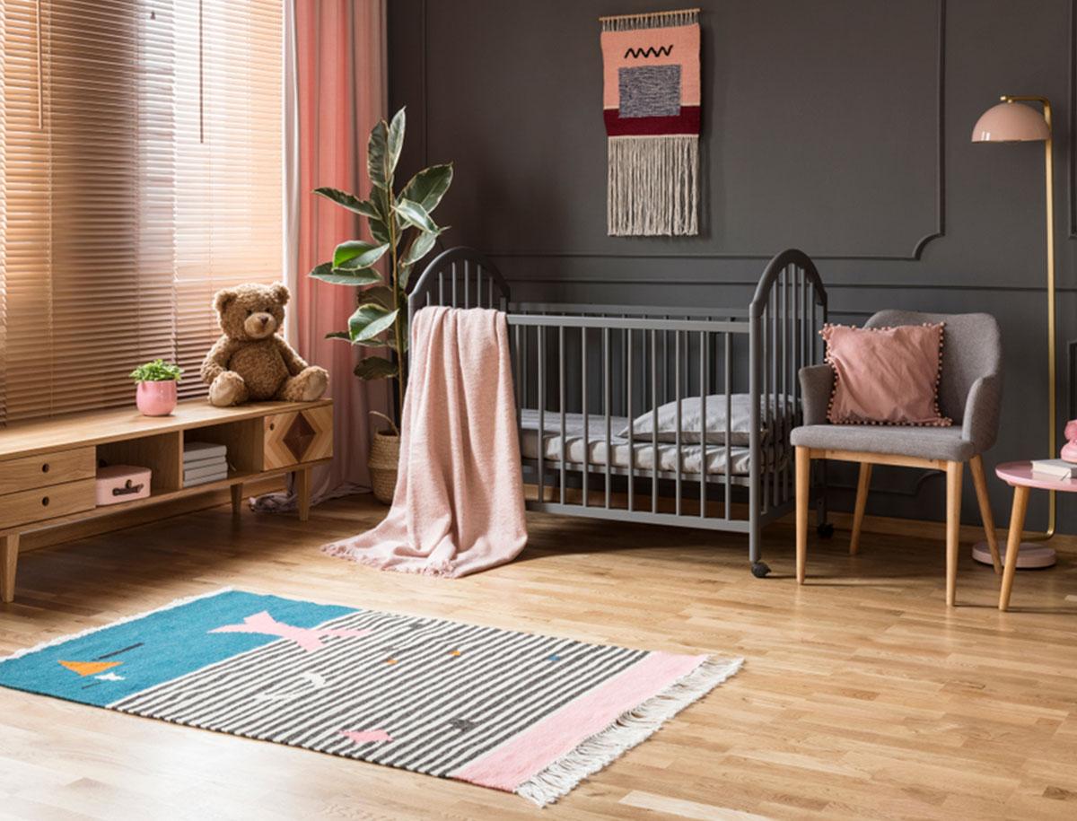 Nachwuchs im Anmarsch: die richtige Einrichtung für das Babyzimmer