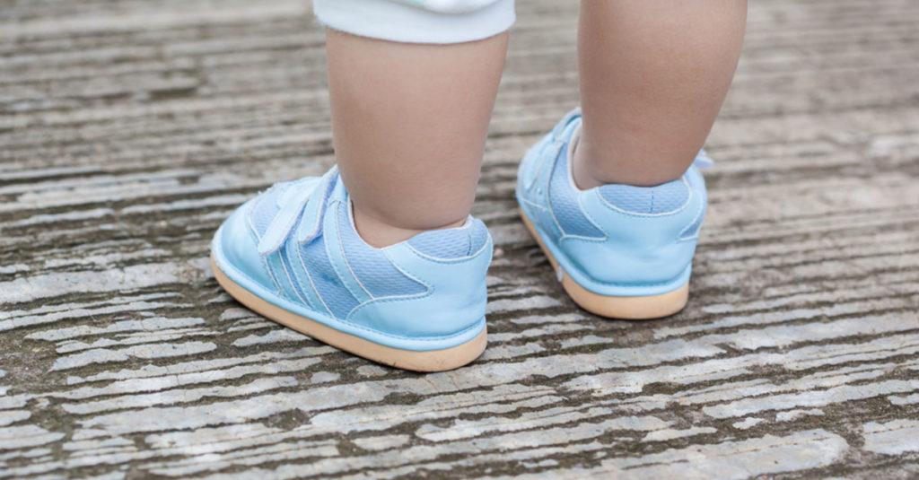 Erste Schritte im richtigen Schuh