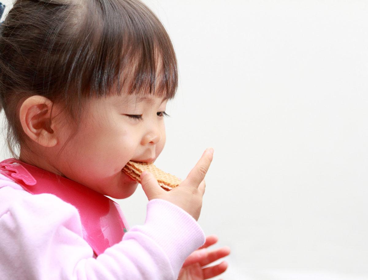 21. Monat: Weg mit dem Schnuller, her mit dem Essen!