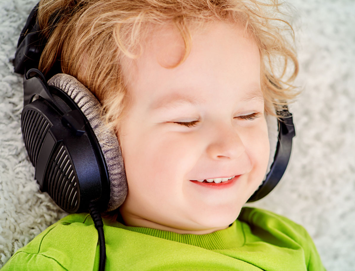 32. Monat: Musik, Lesen, Lernen und Spielen