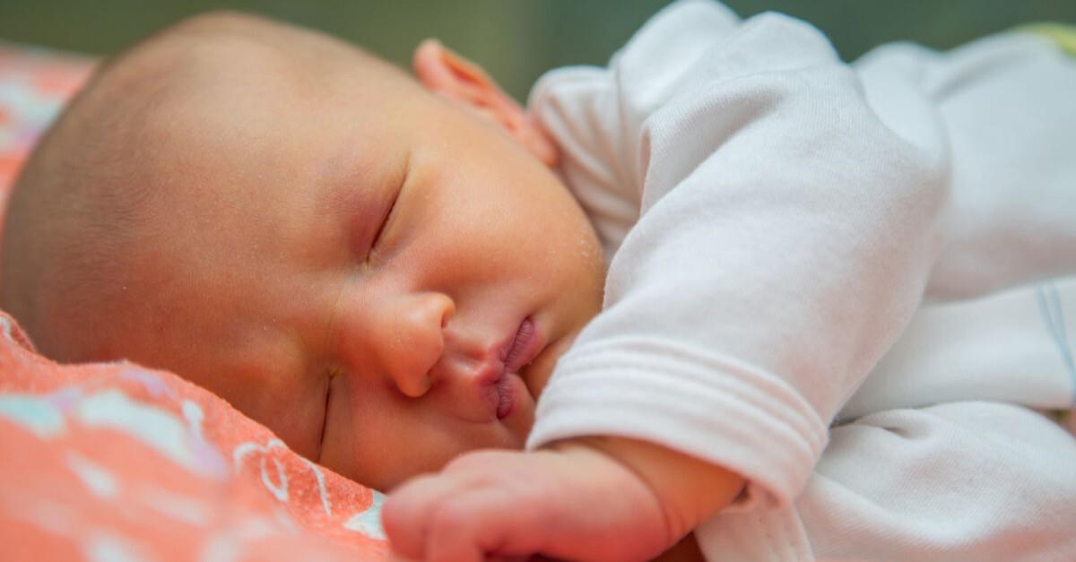 Baby mit Gelbsucht