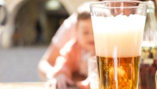 Stillen und Alkohol